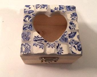 Small mosaic box, jewellery, keepsake box, 10cm x 10cm