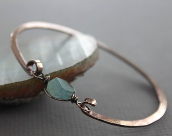 Copper bangle bracelet with aquamarine nugget stone - Aquamarine bracelet - Copper bracelet - Healing bracelet - Cuff bracelet - BR005