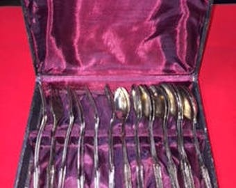 Dainty Dessert Fork and Spoon Set w/box     #986