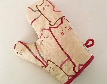 Oven Mitt / Pot Holder --- MORE CATS - Red
