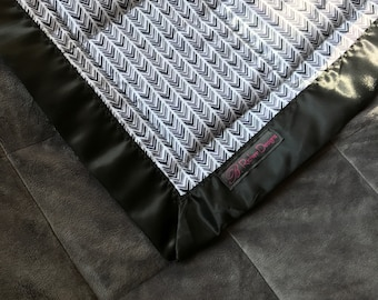 7lb Throw Sized Weighted Blanket with embroidery option