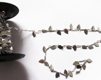 Silver fancy chain leaves