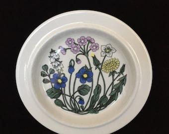 Arabia Flora pattern bread & butter plate Esteri Tomula vintage Finland replacement