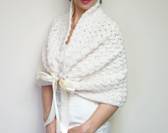 Ivory Bridal Bolero, Wedding Shrug, Crochet Bolero Jacket, Bridal Wrap, Spring Wedding Bolero, Bridal Capelet, Romantic Wedding Cover Up