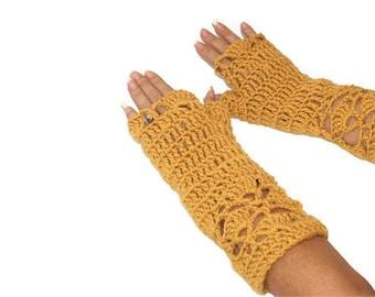 Gold Crochet Mittens, Crochet Wristwarmers, Winter Mittens, Womens Mittens, Teen Texting gloves, Womens Gloves, fingerless gloves