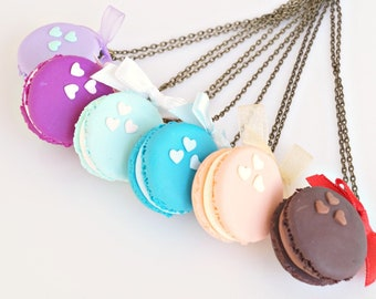 Macaron Necklace, French Macaron, Macaron Pendant, Polymer Clay Food Necklace, Macaron Jewelry, Miniature Food Jewelry, Mini Macaron