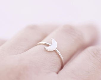 Crescent Moon Sterling Silver Ring, Dainty Celestial Ring, Gift for her