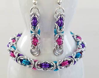 Byzantine weave chainmaille bracelet - handwoven - bright attractive coloring  - bright silver - gift