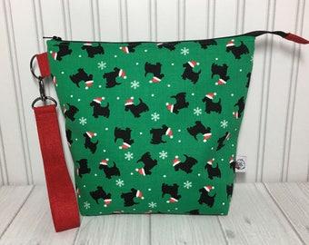 Medium Zipper Top with Handle Knitting Crochet Project Bag - Christmas Doggies