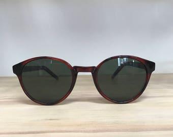 Round vintage sunglasses tortoise