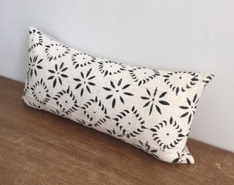Black and White African Mudcloth Handwoven Tribal Lumbar Pillow Cover // 11 x 23
