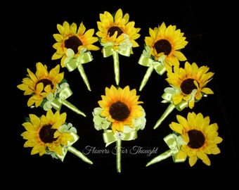Sunflower Boutonniere, Mens Wedding Flower, Groom Buttonhole Decoration, Summer Fall Wedding, Made to order, 1 Lapel Pin