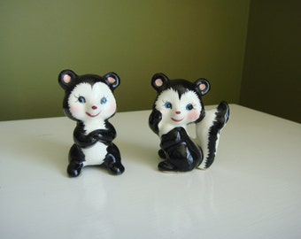 Vintage Skunk Figurines Blushing Baby Skunks Set of Two -  Made in Japan - Epsteam