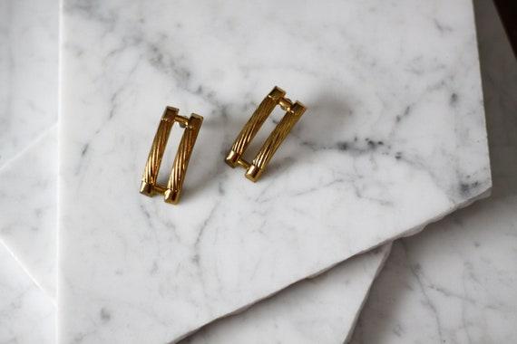1980s gold bar earrings // 1980s gold earrings // vintage earrings