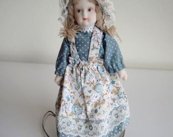 Country Girl Folk Art Primitive Style Doll in Prairie Costume 6 Inch