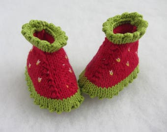 Hand knit strawberry cotton baby booties. Size newborn.