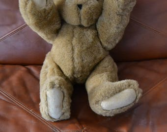 The VERMONT TEDDY BEAR Company..Jointed..Everything Moves ( Arms,Legs, Head)  Tan Plush ..Padded Paws & Feet..Mint, Displayed Only.
