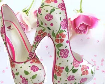 Vintage Rose High Heel Pumps