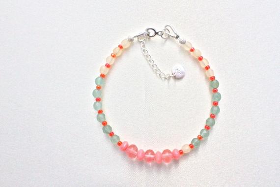 bracelet pierres fines : cherry quartz faceted, honey jade faceted, corail bambou mer, aventurine