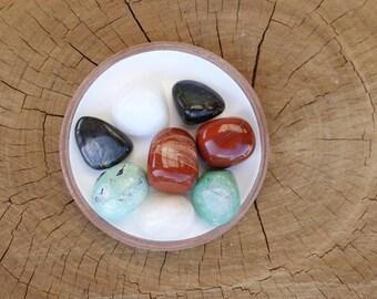 2 White Opal, 2 Variscite, 2 Red Jasper, 2 Labradorite Tumbled Stones