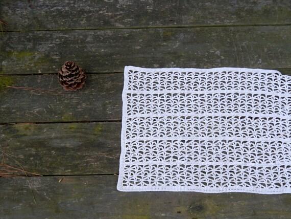 Crochet Runner In Ecru Cottonrustic Home Decor Beige Filet