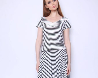 Fashionable striped skirt is perfect to create stylish outfit
