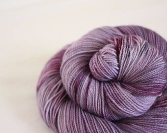 Joanie - Gosling - 80/10/10 superwash merino/ cashmere/ nylon sock yarn