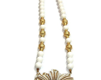 Vintage White And Gold Flower Necklace