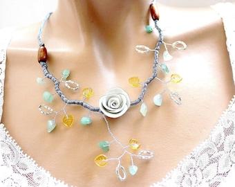 Gray-green aventurine Flower necklace
