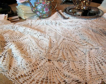 Beautiful Vintage Crochet Tablecloth, Hand Crochet Round Table Cloth, Table Linens, Home and Living, Dining Table Linen, Round Table