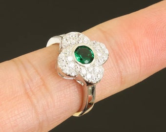 Solid sterling silver  emerald topaz ring