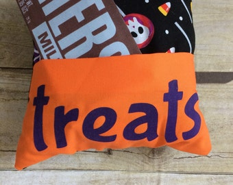 Halloween pillow, Trick or Treat Pillow, halloween gift, halloween for kids,pillow with pocket