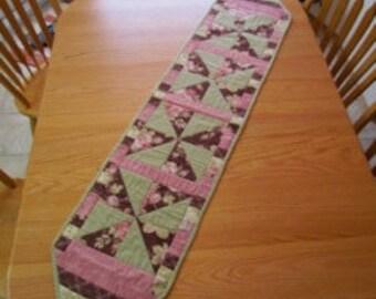Pinwheel Table Runner- Pattern