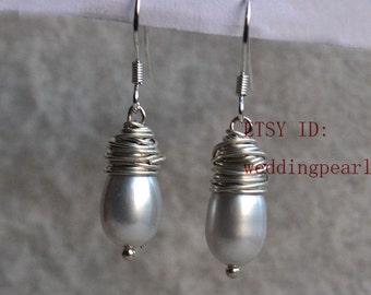 grey pearl earings, dangle pearl earrings, freshwater pearl earrings, wire pearl earrings, bridesmaid earrings, wedding earings, real pearls