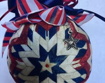 Quilted patriotic ornament