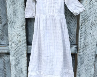 Simple Christening Gown / Cotton Nightgown / Vintage Girls 6 -12 months / Eyelet
