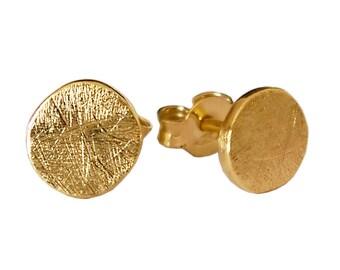 Minimal Round Rustic Stud Earrings Solid 18k gold earrings  Minimal Small Earrings  Unique Geometric Designer Earrings boucles d'oreilles