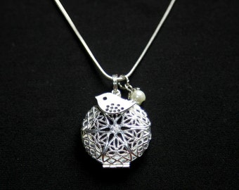 Silver Circle Diffuser Necklace with Bird & Pearl Charms