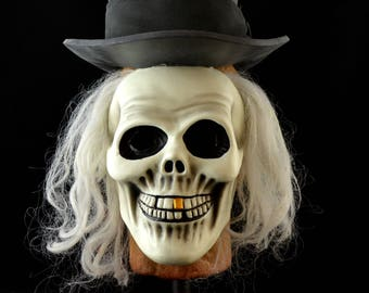 Hatbox Ghost Child-size Mask (UNPAINTED)