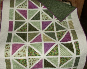 """HUMMINGBIRD/DRAGONFLY Lap QUILT with lattice in fuschias and greens on white, appx 48"""" X 64"""""""