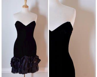 Vintage Tadashi Dress / NOS / 80s Dress / Cocktail Dress / 80s Designer Dress / Black Velvet Dress / Strapless Dress / Small