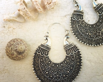 Retro fashion-boho-flower earrings-70s party-retro jewelry-gipsy-hippie-beach party-garden party-retro look-retro fashion-antique silver