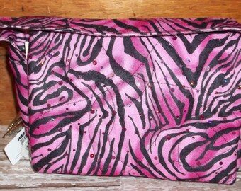 """Fabric shown not available style is Coupon Organizer Tote Bag Quilted Sorts Coupons with Key and Pen Hoder 7' 'x 9"""" X 2"""" wide Purse"""