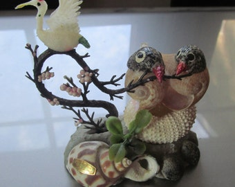 sea shell art lovebirds figurines whimsey Kitschy oddities shell souvenir