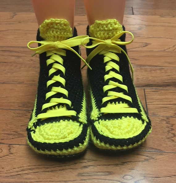 yellow black shoe slippers sneakers slippers 242 tennis bee slippers slippers sneaker 709 bumblebee Crocheted WOmens bee sneakers bumblebee wzPvSn