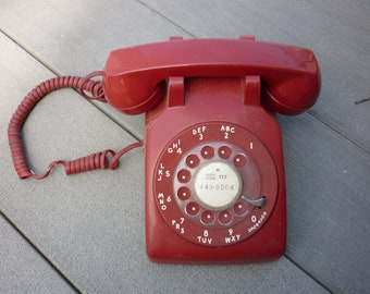 Vintage 1979 Red Western Electric Bell System 500 DM Rotary Telephone Desk