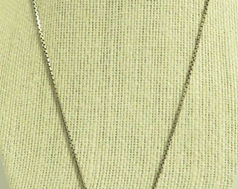 """Vintage 1930's Sterling Silver 5 Puffy Floral Heart Locket 19"""" Box Chain Link Necklace"""