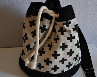 """""""Cross"""" cotton and strap bucket bag"""