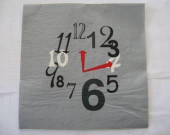 set of 2 napkins clock