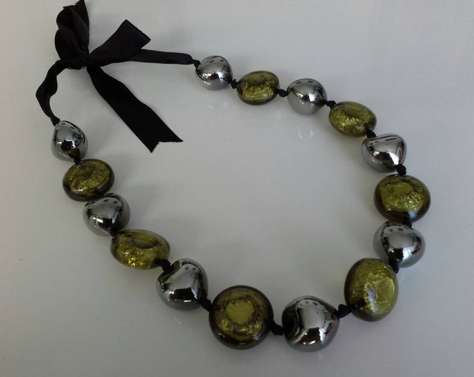 Chunky Transparent Green & Silver Foil with Gunmetal Acrylic Resin Beeded Ribbon Necklace